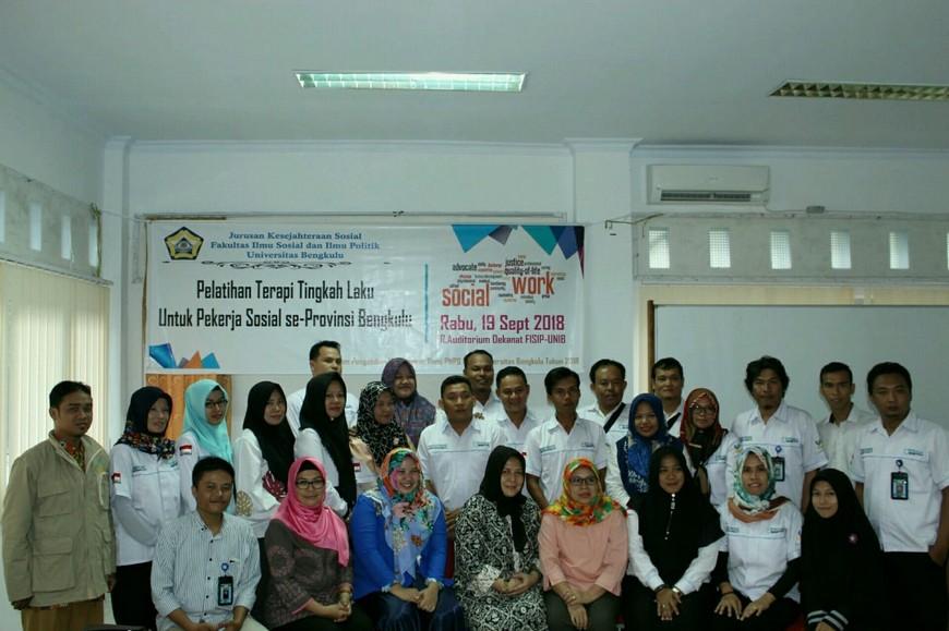 Pelatihan Terapi Tingkah Laku untuk Pekerja Sosial se-Provinsi Bengkulu oleh Desy Afrita, AKS., MP