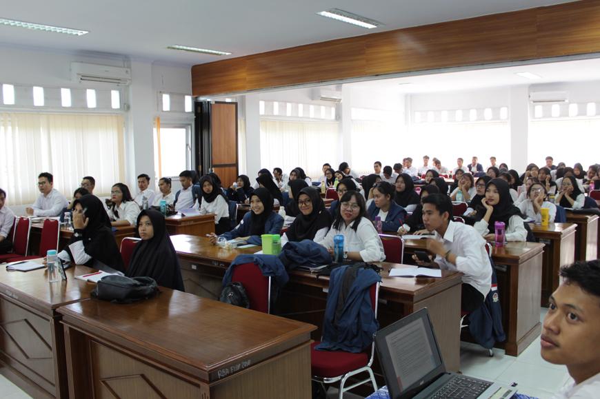 Semangat Praktikum 1, Mahasiswa Kesejahteraan Sosial Antusias Mengikuti Pembakalan